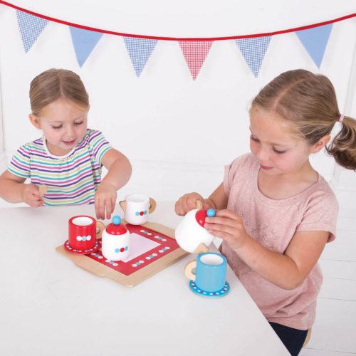 houten theeset spelende kindjes Sassefras Meisjes Speelgoed