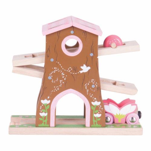 uitbreiding treinbaan boomhuis achter Sassefras Meisjes Speelgoed