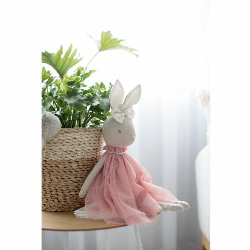 daisy konijnen knuffel zittend Sassefras Meisjes Speelgoed
