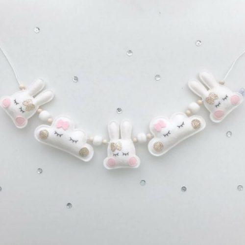 Witte konijntjes en wolkjes slinger 3d Sassefras Meisjes Speelgoed