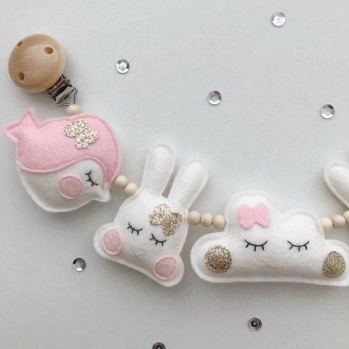 handgemaakte vilten wagenspanner vogel, konijn en wolk Sassefras Meisjes Speelgoed