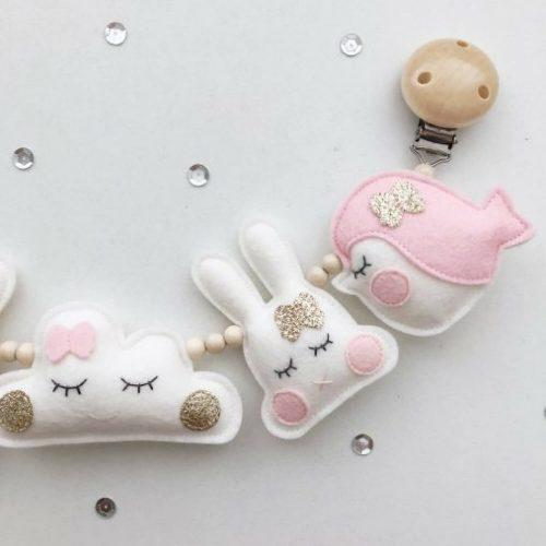 kinderwagenspanner vilt vogel, konijn en wolk Sassefras Meisjes Speelgoed