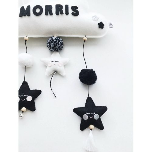 vilten naam mobiel wolk zwart wit detail Sassefras Meisjes Speelgoed