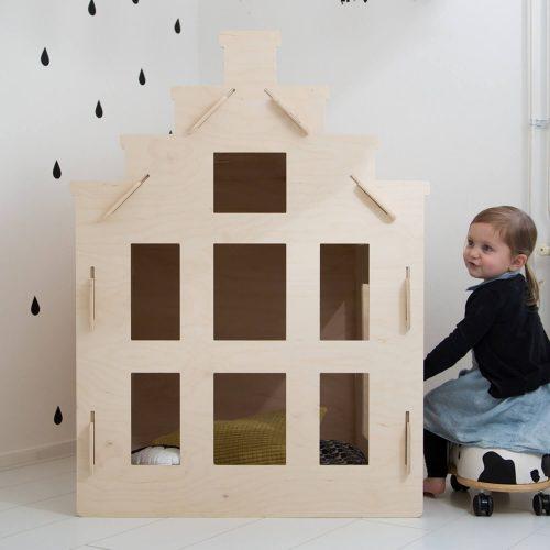 speelhuisje van multiplex trapgevel Sassefras Meisjes Speelgoed