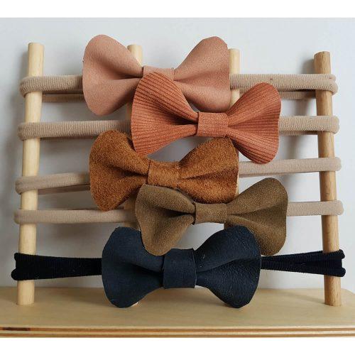 elastieken haarbandje met leren strik uni kleuren Sassefras Meisjes Speelgoed
